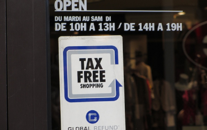 tax free shopping small