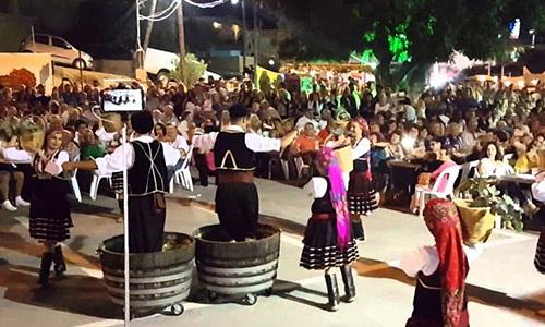 Фестиваль вина в деревне Эмбона на Родосе