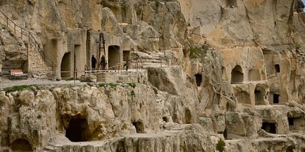 Пещерный монастырский комплекс Вардзия