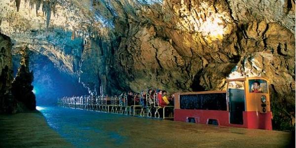 Пещера Постойнска-Яма