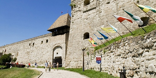 Замок Эгер